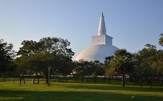 Padeniya tempel en het Haththikuchchi kloostercomplex Sri Lanka - Anuradhapura