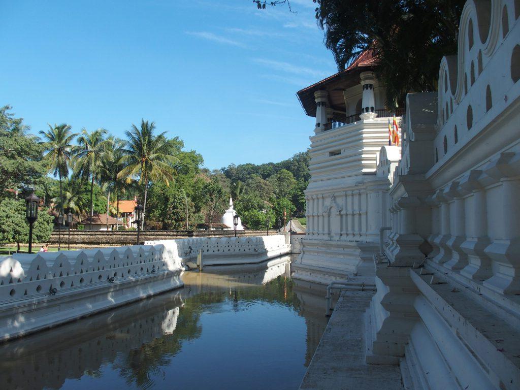 Als persoonlijk reisadviseur adviseer ik over een rondreis naar Kandy in Sri Lanka